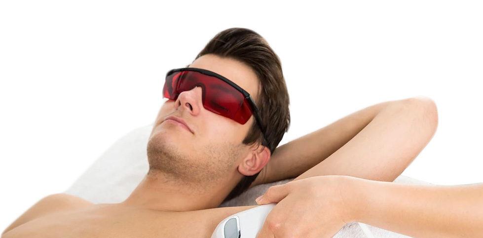 tratamientos especialmente pensados para ellos. Tratamientos para hombre: Tratamientos corporales para el hombre, Manicura y pedicura para hombre, Depilaciones para hombre, Tratamientos faciales para hombre.